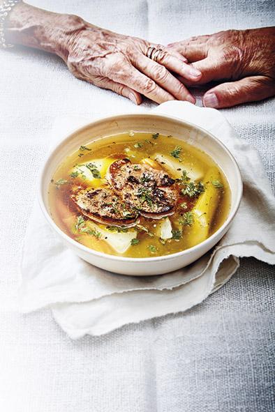 bouillon-leg-foie-gras-poele